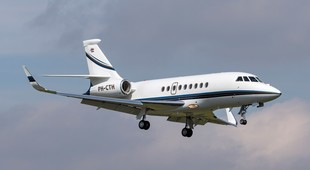 Dassault Falcon 2000LX flying in the air