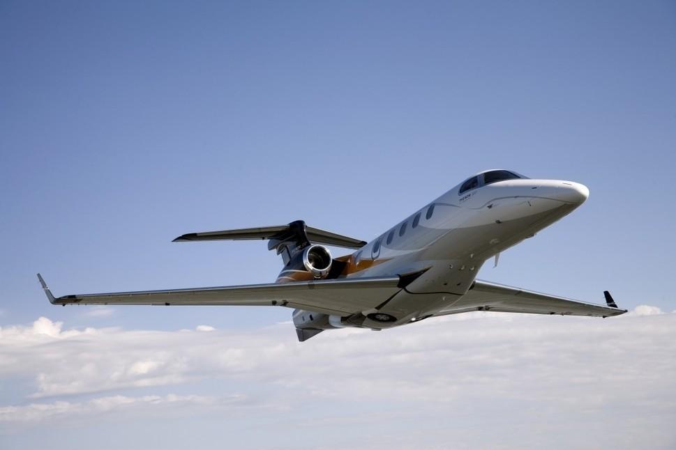 Embraer Phenom 300 Jet