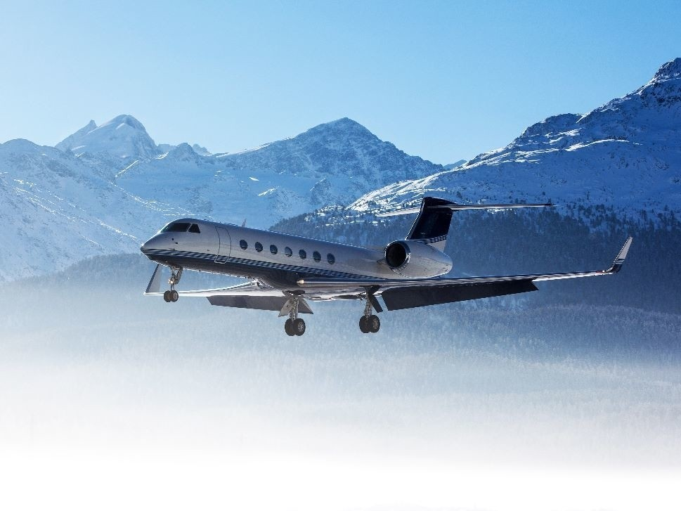 A Gulfstream Private Jet Comes In To Land