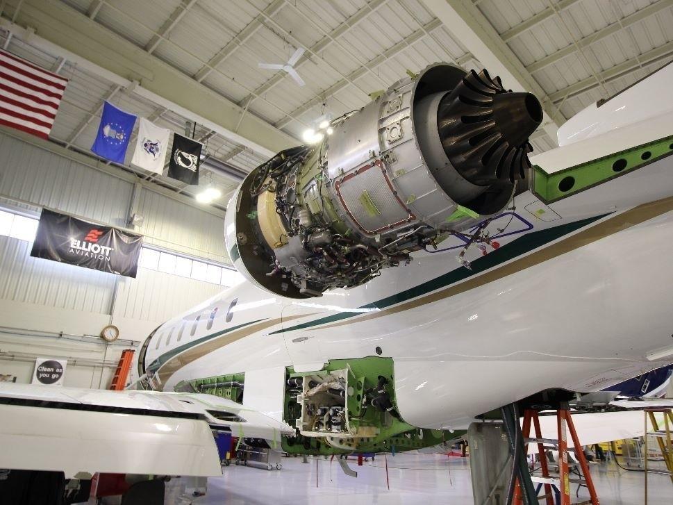 Bombardier Challenger jet engine