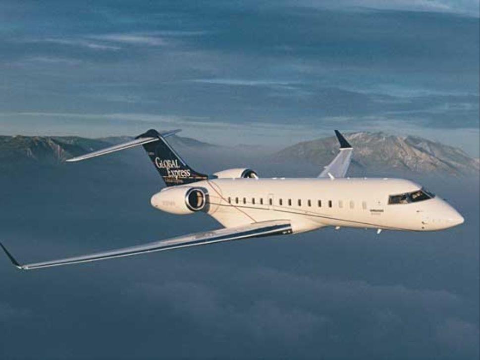 Bombardier Global Express in flight