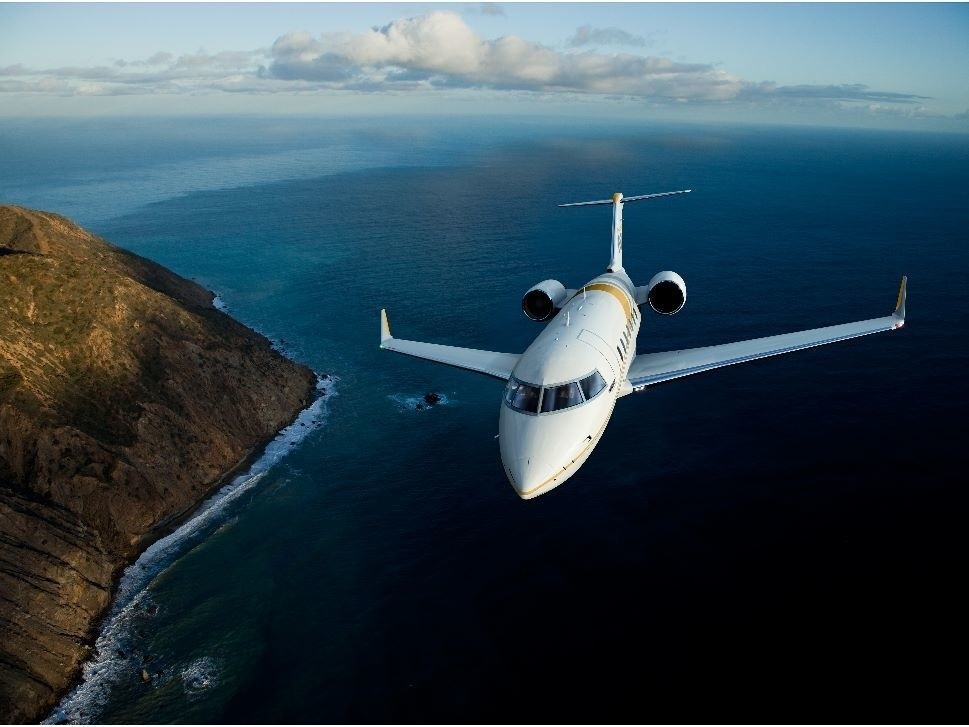 Bombardier Challenger 650 private jet