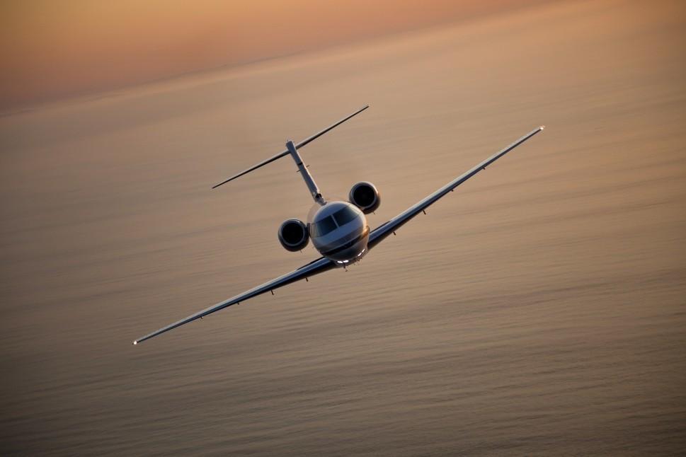 Private jet flies across the ocean