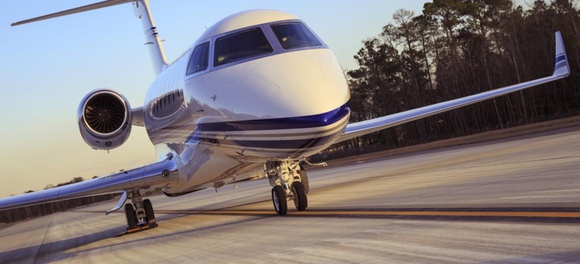 Gulfstream G280 take off