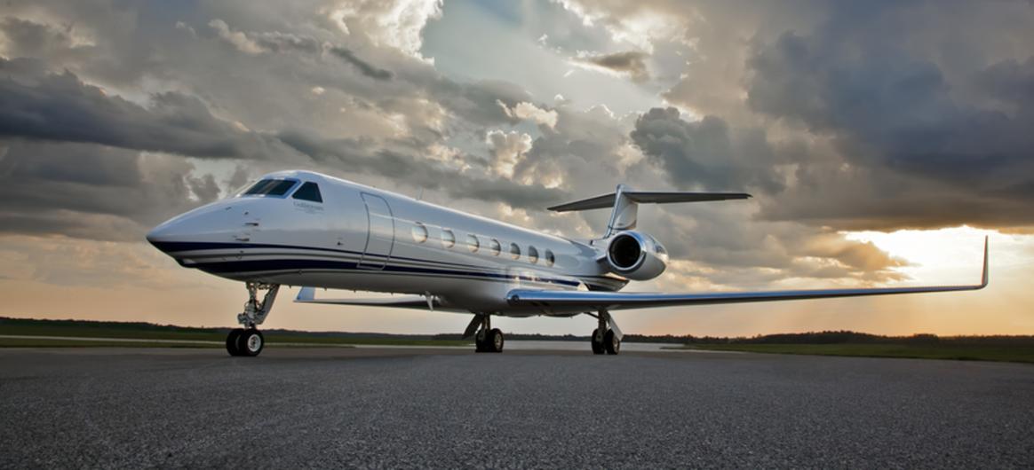 Gulfstream G550 on runway