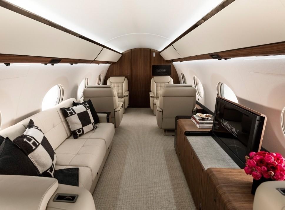 Gulfstream G650 Private Jet Cabin