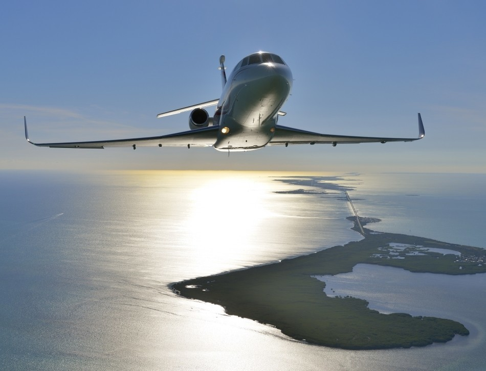 Honeywell powerplants and APU flying on a Dassault Falcon 900LX jet