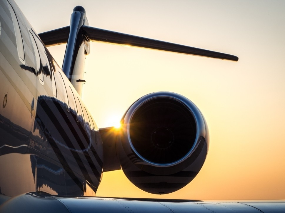 Bombardier Global 6000 in the early morning sun