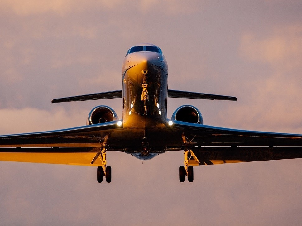 A Gulfstream private jet on final approach