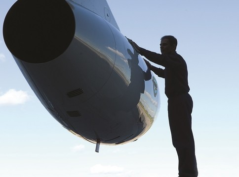 How to Pick the Right Engine Maintenance Coverage
