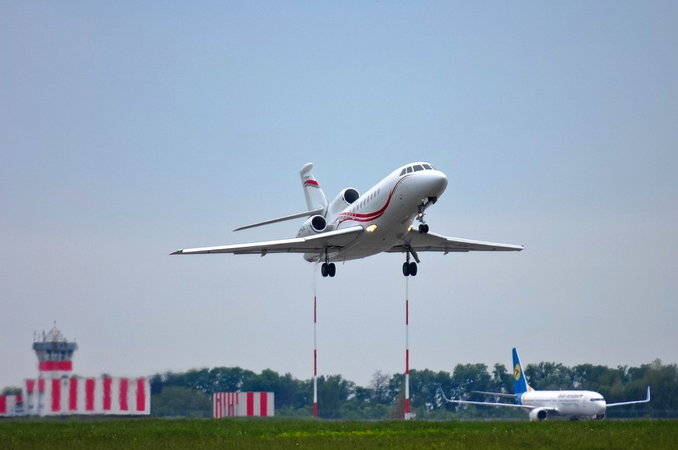 Dassault Falcon 900LX - Edit Use Only