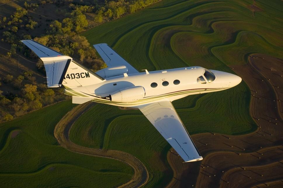 Cessna Citation Mustang mid air