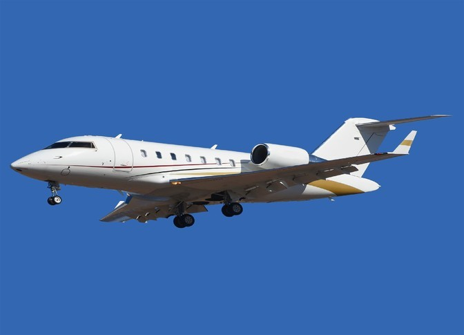 Bombardier Challenger 605 In the sky