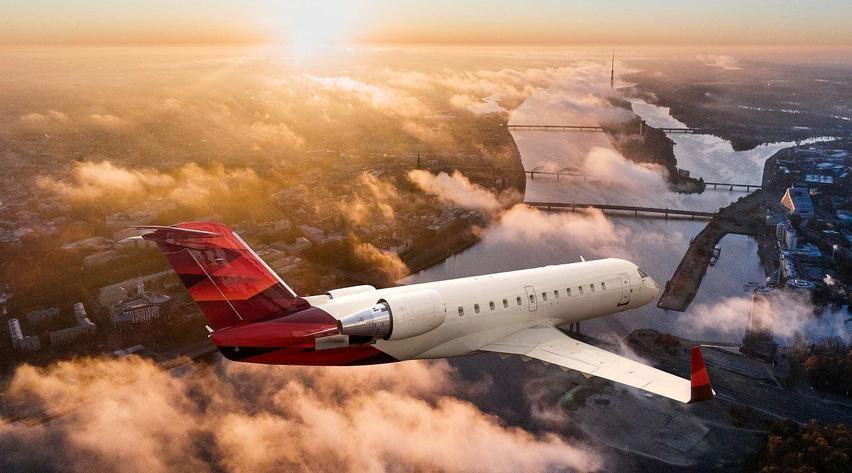Bombardier Challenger CRJ-200 1