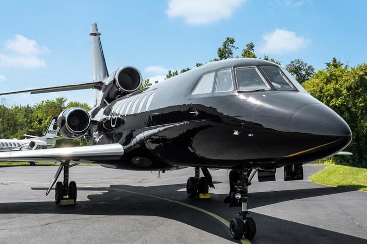 Dassault Falcon 50 Exterior