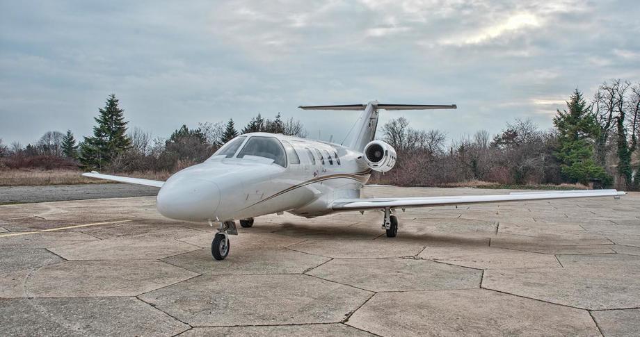 1995 cessna citation jet parked on airfield