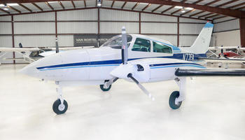Cessna 310R 1
