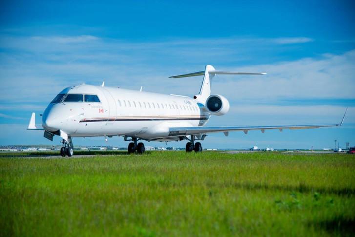 Canadair REGIONAL JET CRJ-700 1