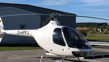 Guimbal Cabri G2 on the runway