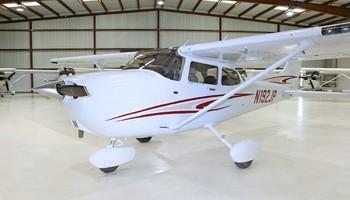 2005 cessna 172sp skyhawk exterior