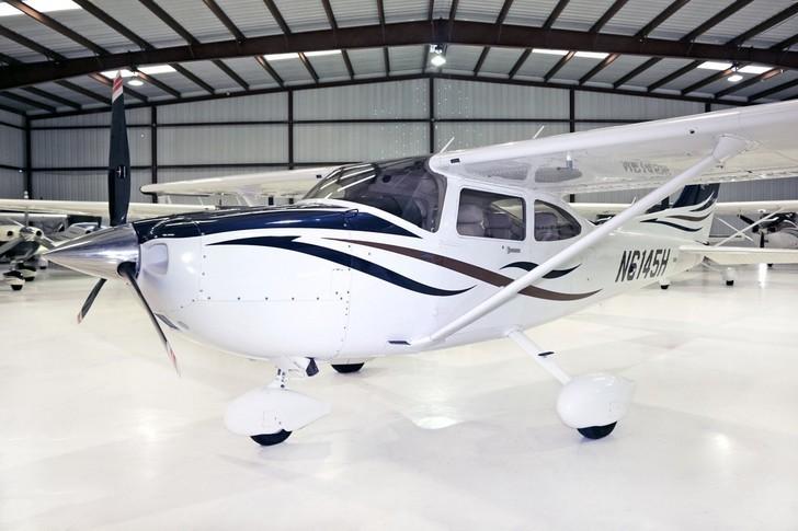 Cessna T182 Turbo Skylane Exterior
