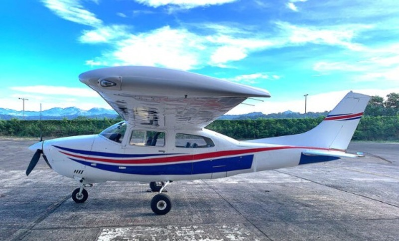 Cessna T210 Exterior