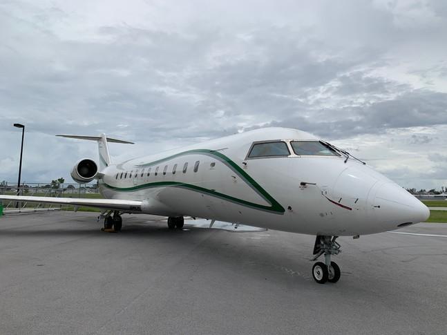 Bombardier Challenger CRJ-100/SE Exterior