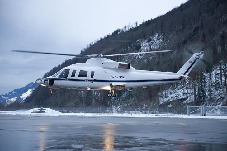Sikorsky S-76B In the sky