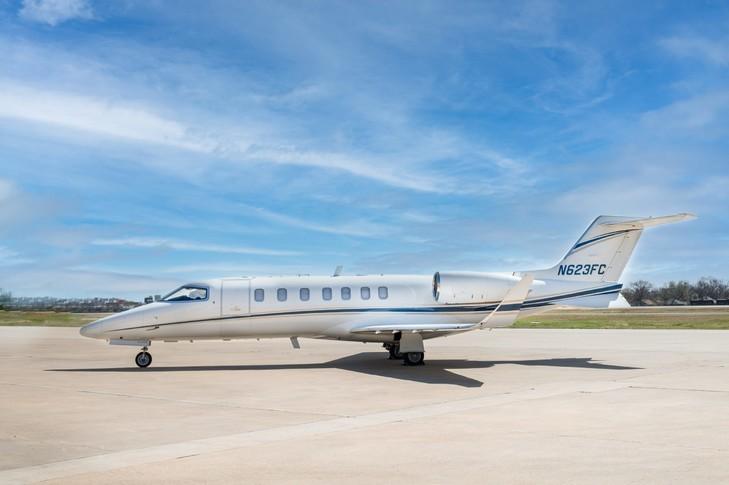 Bombardier Learjet 40XR Exterior