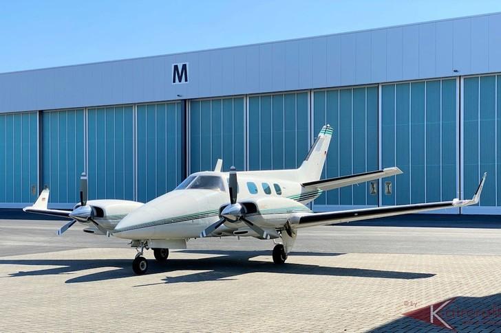 Beechcraft 60 Duke Exterior