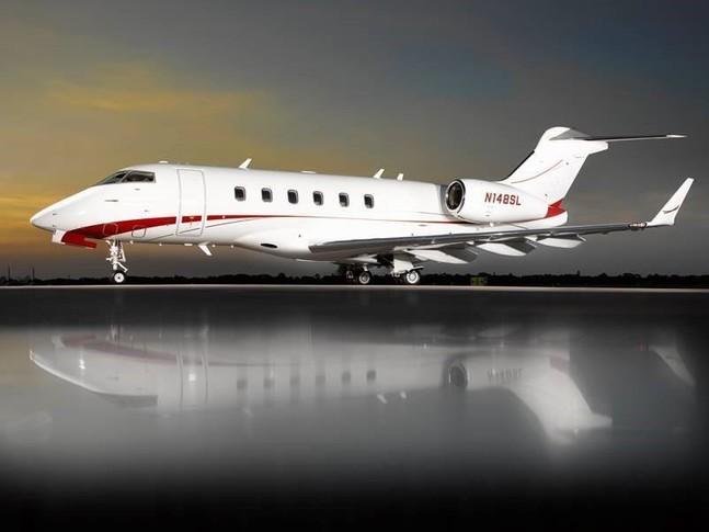 Bombardier Challenger 300 Exterior
