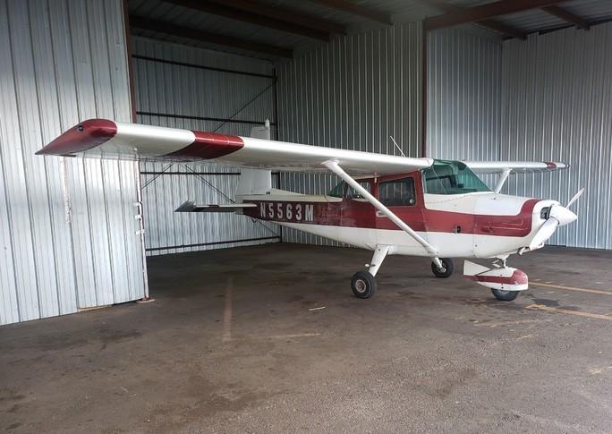 Aero Commander Darter Commander 100 In Hangar