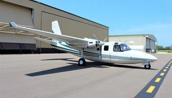 Aero Commander 500 Exterior