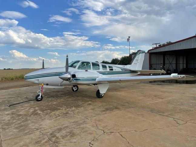 Beechcraft 58 Baron Exterior