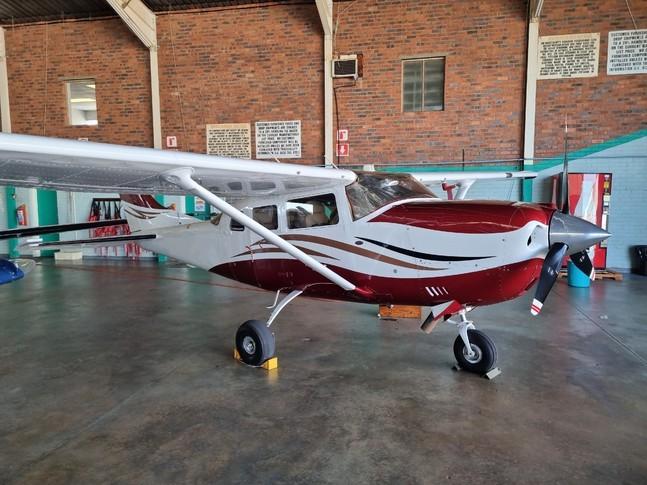 Cessna Turbo 206H Stationair Exterior