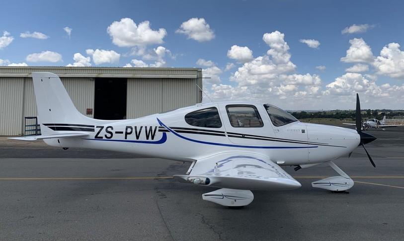Cirrus SR22 G2 Exterior