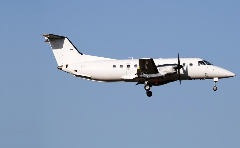 Embraer EMB-120 In the sky