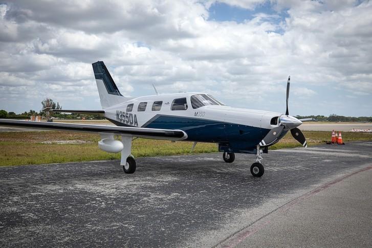 Piper Malibu Mirage Exterior