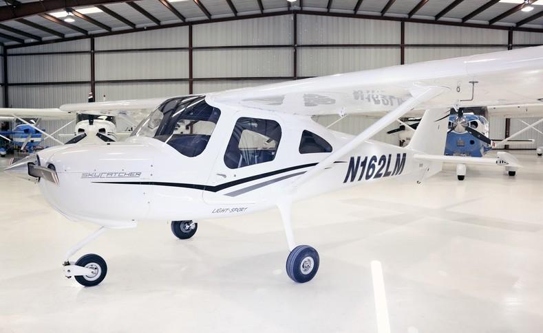 Cessna 162 Exterior