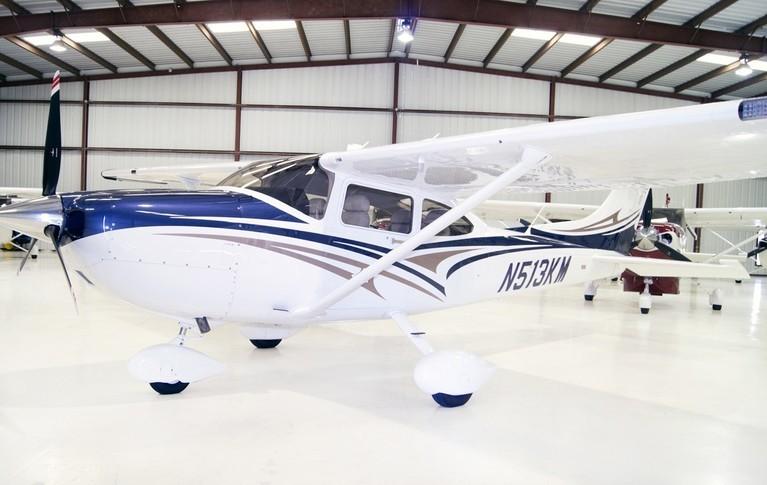 Cessna 182T Skylane In Hangar