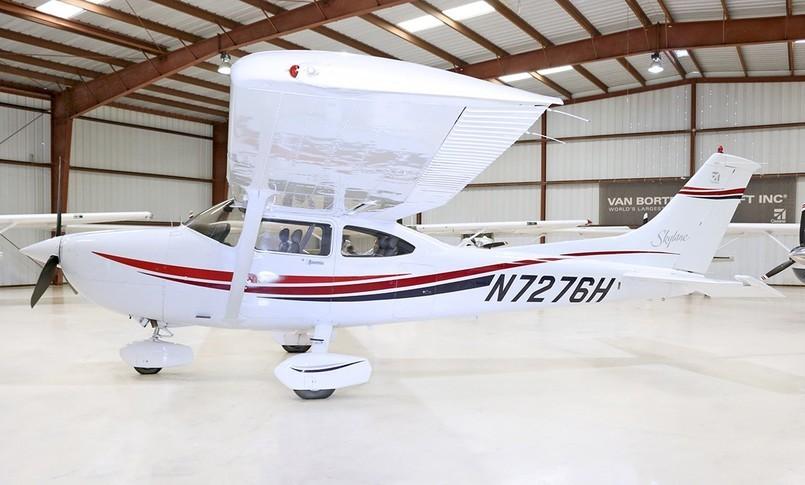 Cessna 182S Skylane Exterior