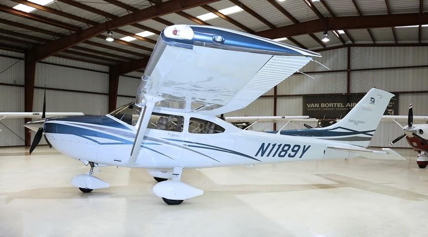 Cessna 182T Skylane Exterior