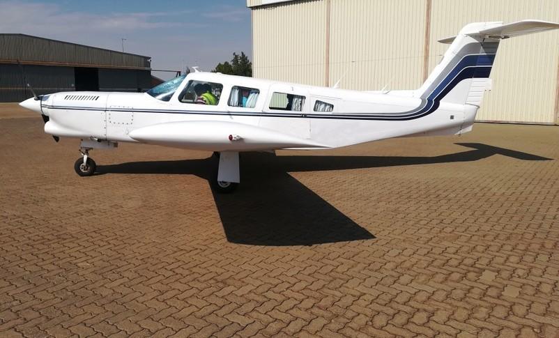 Piper Lance II Exterior