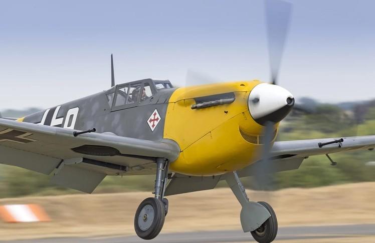 Hispano Aviación HA-1112 Exterior