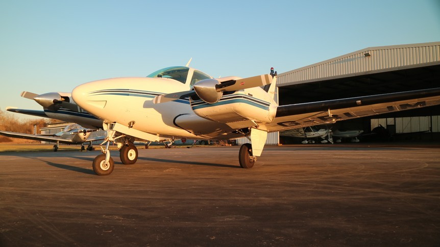 Beechcraft 55 Baron Exterior