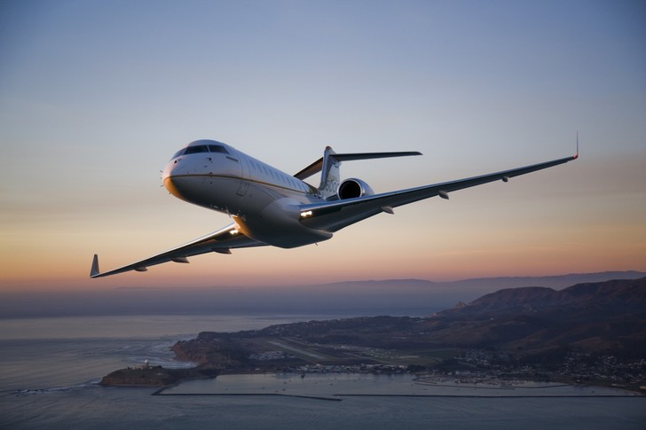 Bombardier Global 6000 In the sky