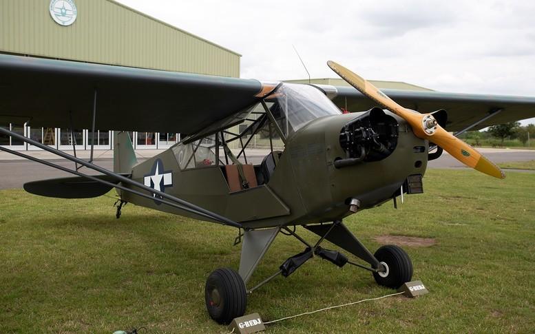 Piper Cub Exterior