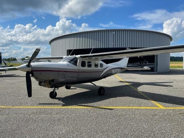 Cessna P210N Silver Eagle Exterior