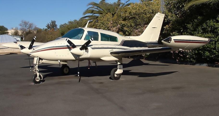 Cessna 310 Exterior
