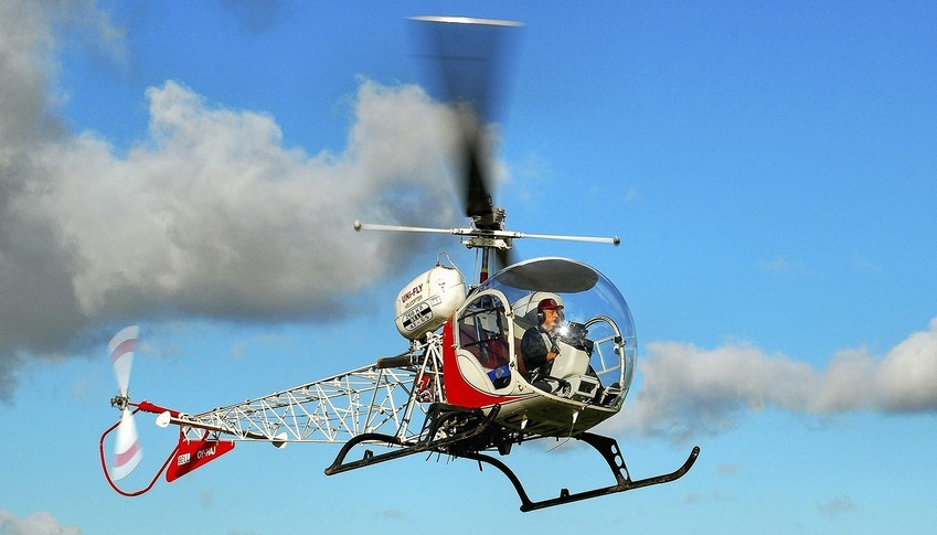 Bell 47G-5 In the sky